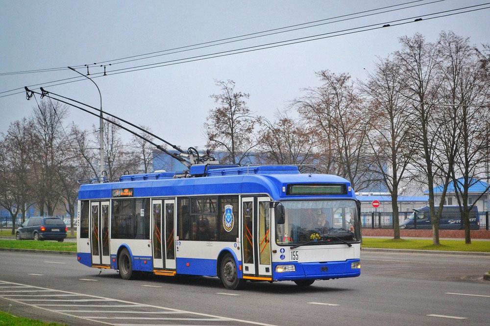 Ростовчане в два раза меньше стали пользоваться общественным транспортом